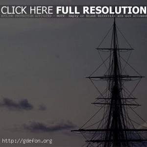 Корабль, мачта, облака