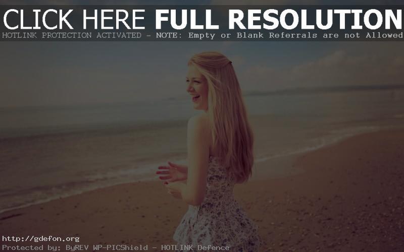 Обои Девушка на берегу моря фото картики заставки