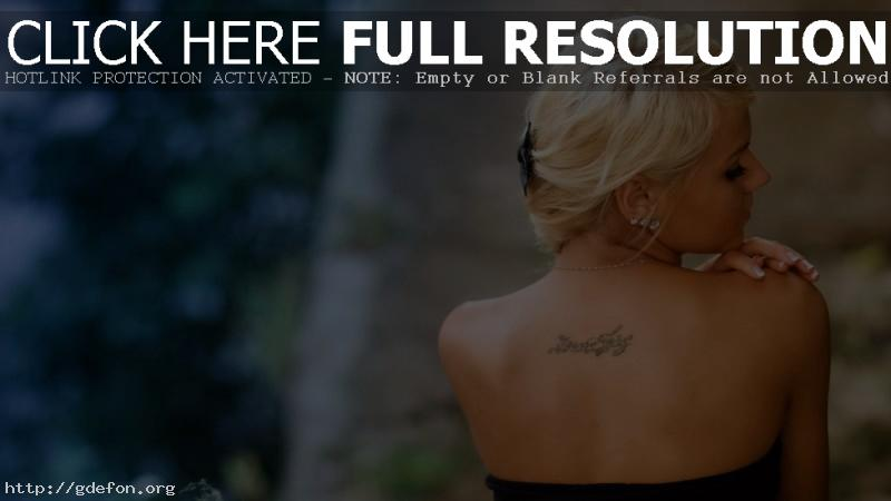 Обои Фото блондинки со спины фото картики заставки