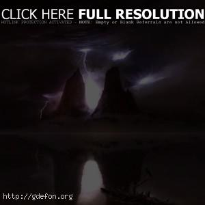Молнии, горы, отражение