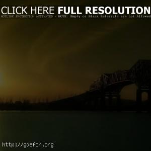 Восход солнца над рекой