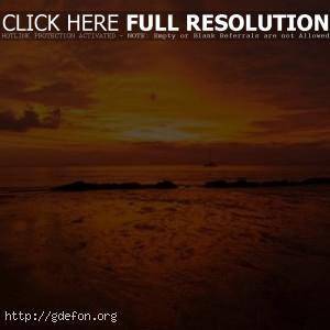 Оранжевый закат в облаках
