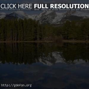 Озеро, лес и горы