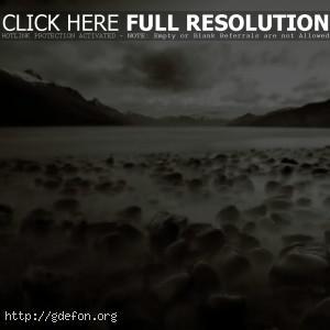 Горы, камни, туман