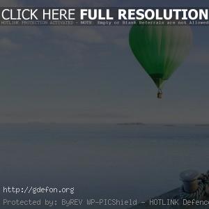 Воздушный шар над море