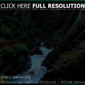 Река, тропа, ущелье, водопад