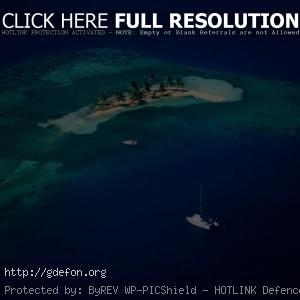Море, остров, яхта