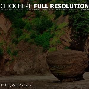 Камни, горы, зелень