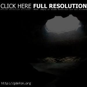 Пещера с водоемом