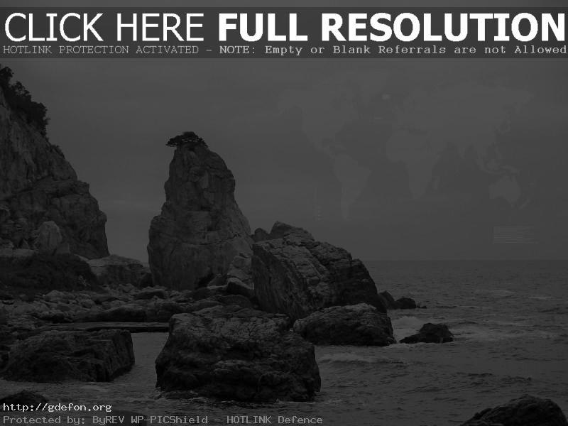 Обои Скала, море, небо, черно-белое фото картики заставки