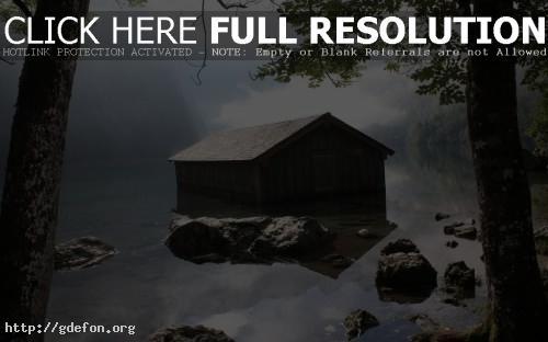 Обои Пейзажи, деревья, вода, дома, берег фото картики заставки