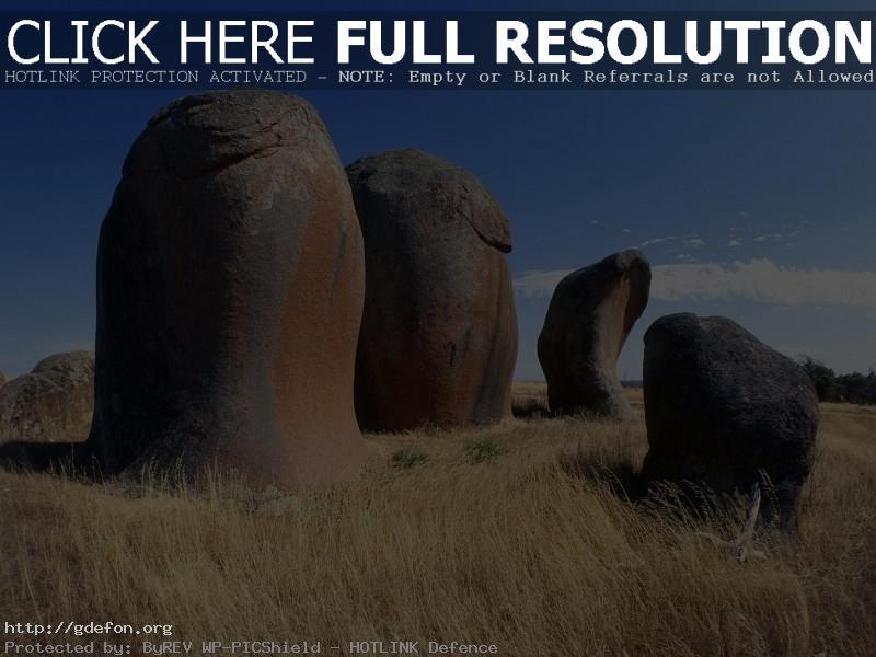 Обои Камни, трава, небо фото картики заставки