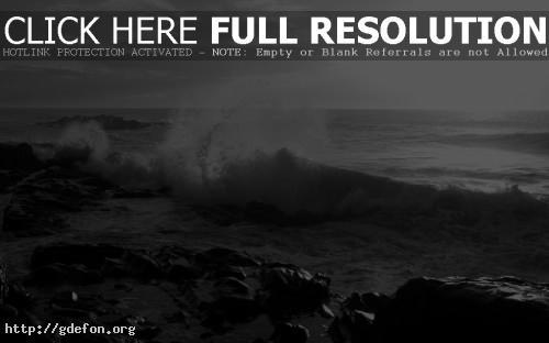Обои Волны бьют о камни фото картики заставки