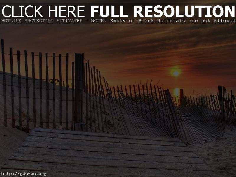 Обои Забор, песок, берег, солнце, сакат фото картики заставки