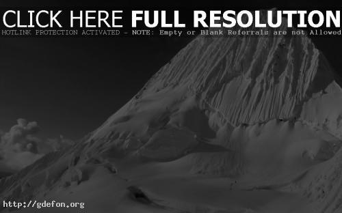 Обои Гора в снегу фото картики заставки