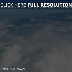 Голубое небо над облаками