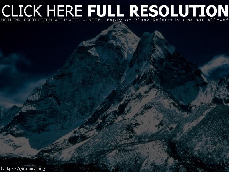 Обои Суровые горные вершины фото картики заставки