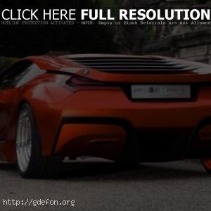 Красный BMW M1 Concept