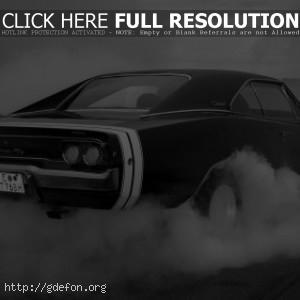 Черный Dodge Charger