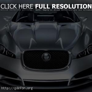 Jaguar C-XF серебристого цвета