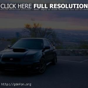 Subaru на дороге