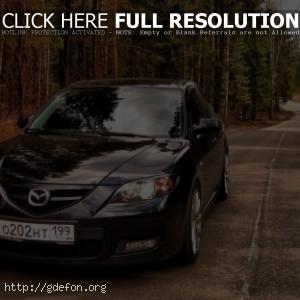 Черная Mazda