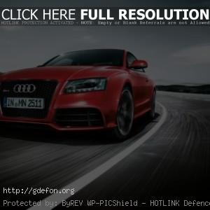 Audi RS5 красный
