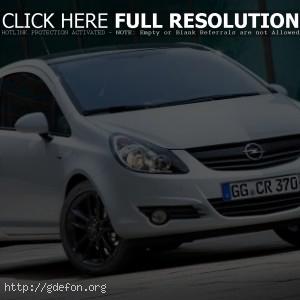 Белый Opel Corsa