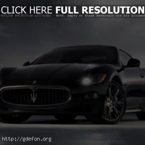 Черный Maserati Quattroporte