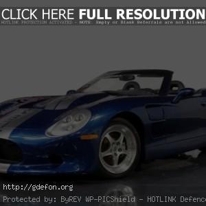 Ford Mustang синий, вид сбоку