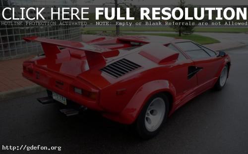 Обои Красное спортивное авто фото картики заставки