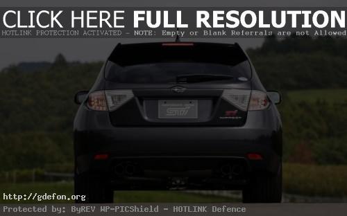 Обои Subaru Impreza WRX STI сзади фото картики заставки