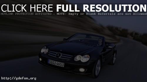 Обои Mercedes in movement фото картики заставки