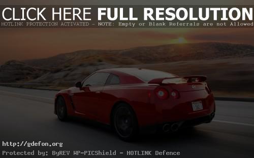 Обои Красный Nissan GT-R фото картики заставки