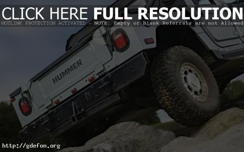 Обои Hummer H1 на камнях фото картики заставки