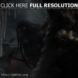 Девушка с ребенком прячется от монстра