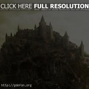 Замок на утесе