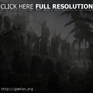 Старый храм поросшей травой