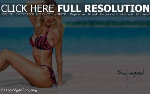 Обои Candice Swanepoel в розовом купальнике фото картики заставки