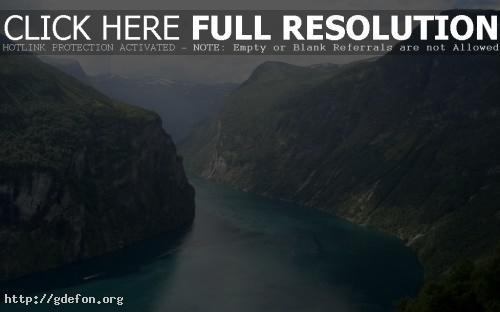 Обои Река в горах фото картики заставки