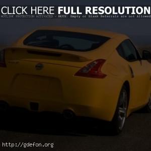 Nissan 370Z Жёлтый
