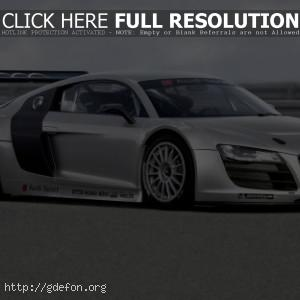 Audi R8 GT3 сбоку