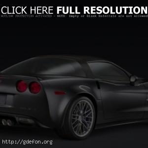 Серебристый Corvette ZR1
