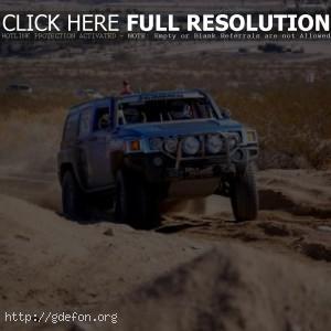 Hummer H3 синий, гонки