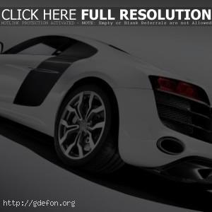 Audi R8 quattro белая