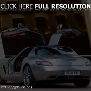 Mercedes Re-Creates Gullwing