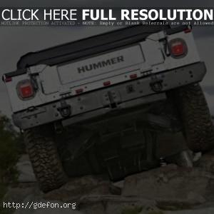 Hummer H1, вид сзади