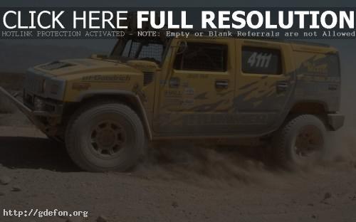 Обои Hummer H2 в пыли фото картики заставки