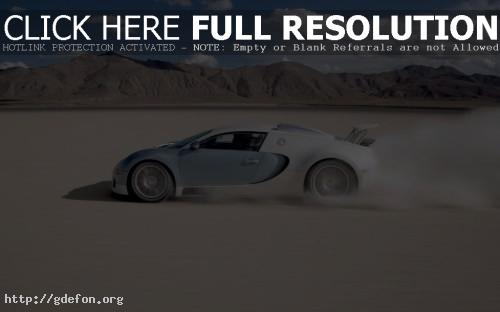 Обои Bugatti на скорости фото картики заставки