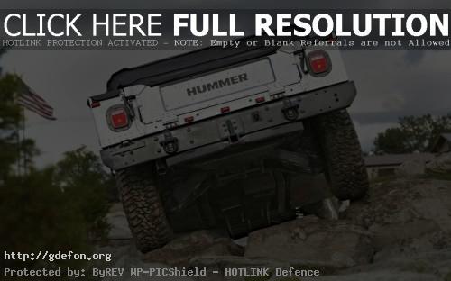 Обои Hummer H1, вид сзади фото картики заставки